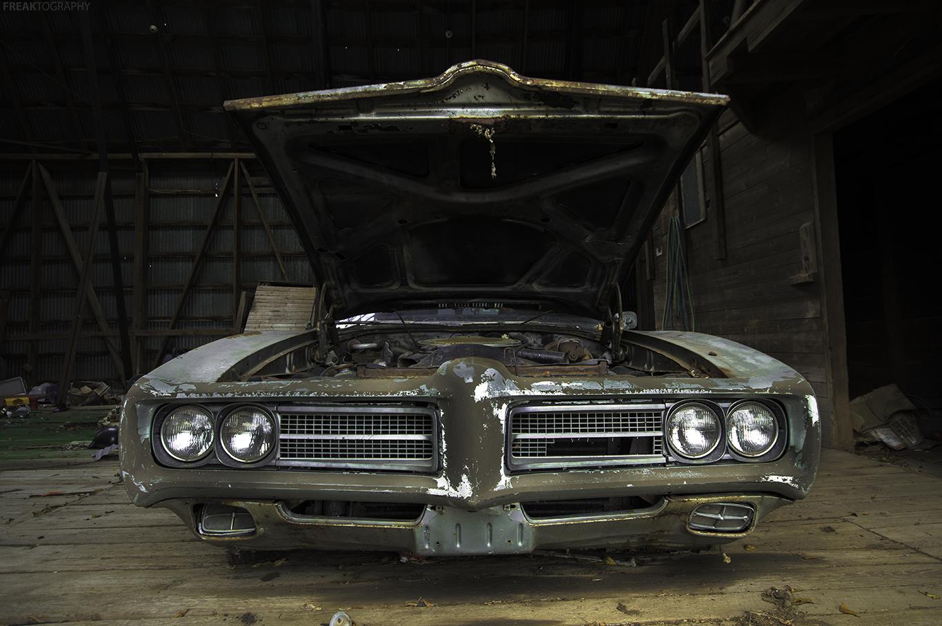 abandoned car freaktography