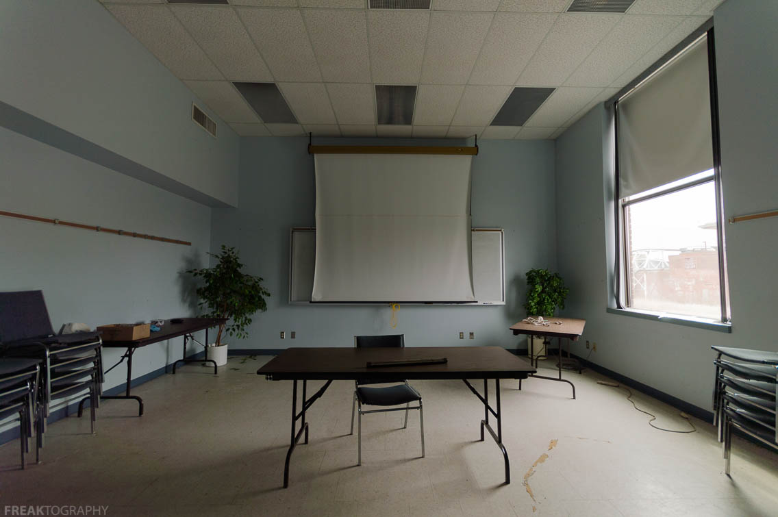 Abandoned Office Building Royalty Free Stock Photos - Image: 3699738