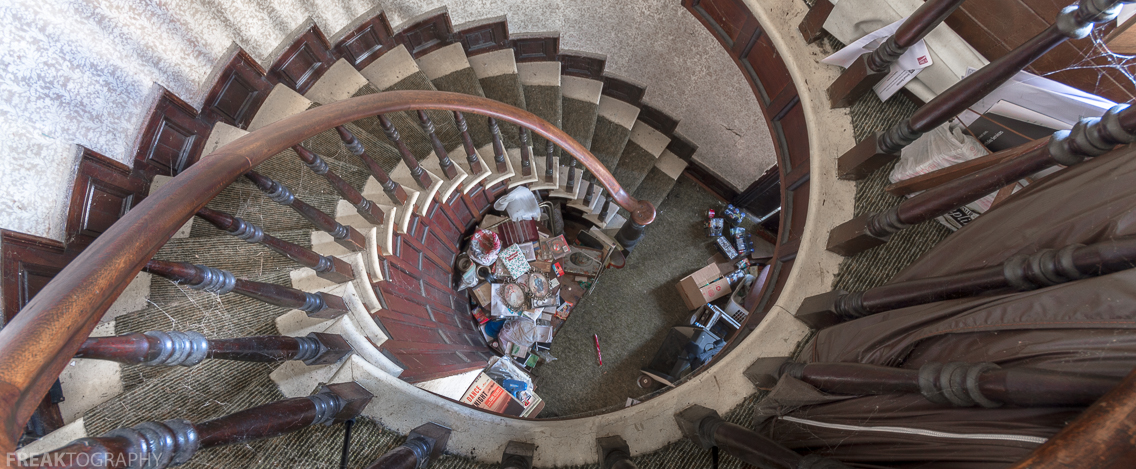 Spiral Staircase In An Abandoned House In Ontario, Canada (OC) 1136 × 469  ...