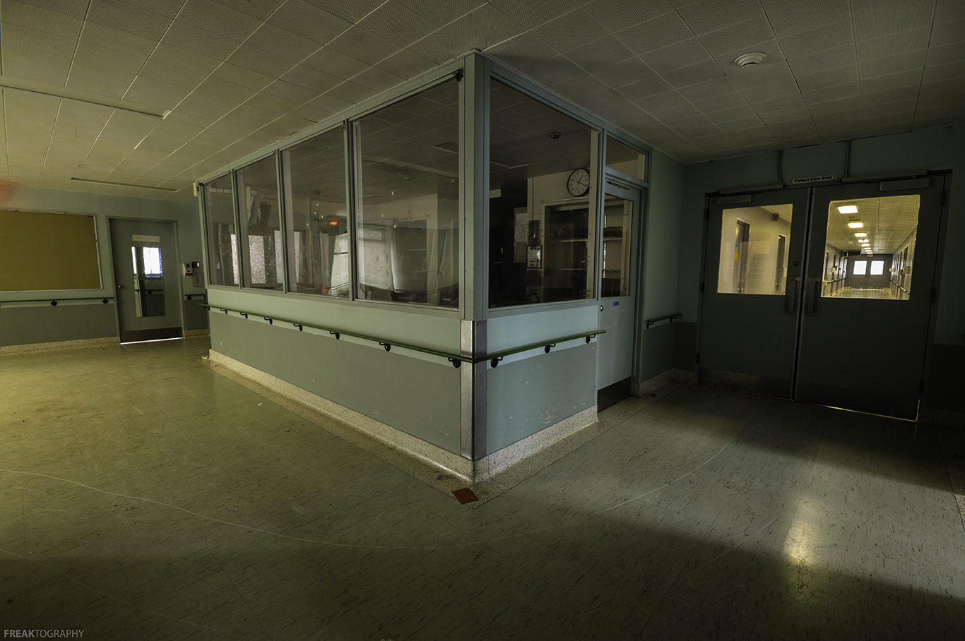 Picture Of Empty Hospital Bed