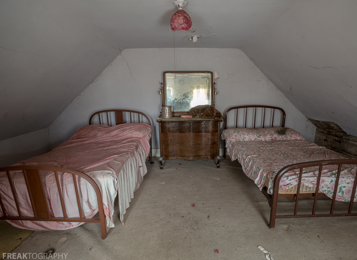 Full Beds For A Small Room